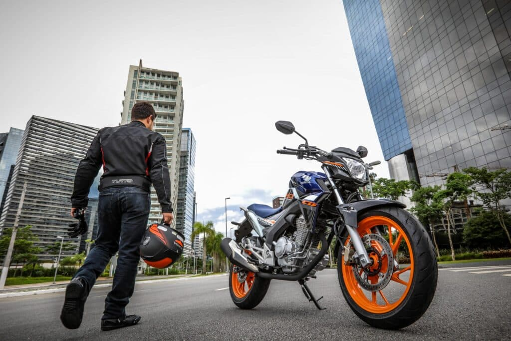 twister scaled 1 - Moto Honda Motopel