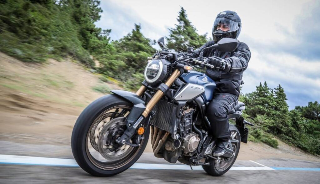 Dicas para andar de moto no frio