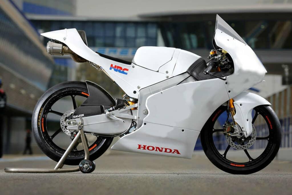 HONDA NSF 250 RW min - Moto Honda Motopel